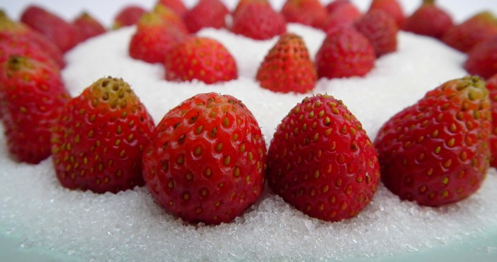 Photo by AllAnd. Image taken from https://pixabay.com/en/berry-strawberry-red-197074/